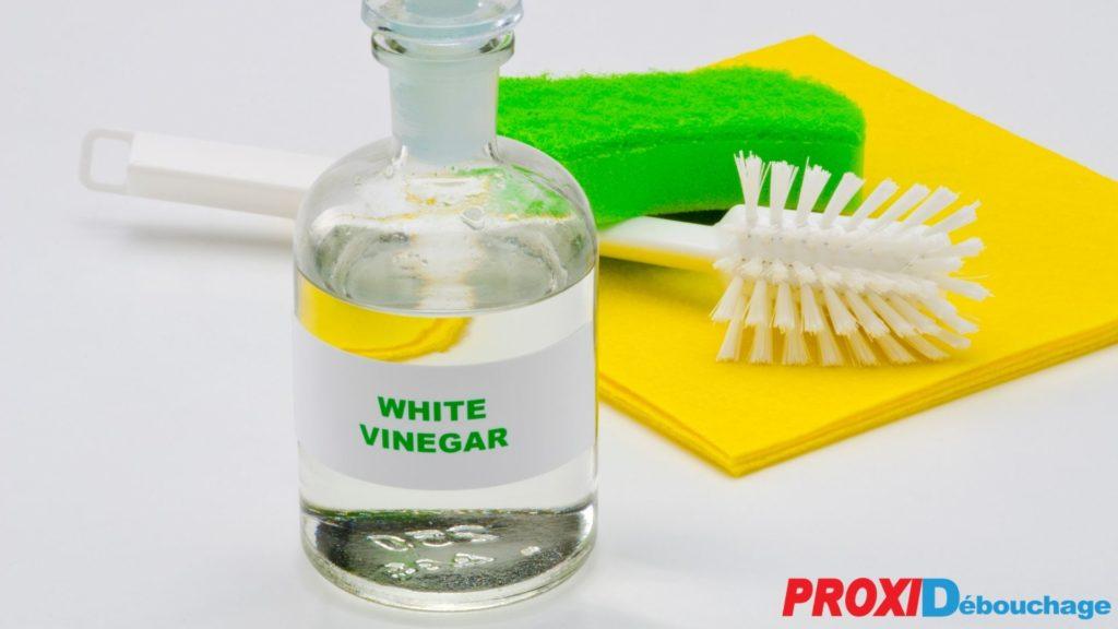 vinaigre blanc débouchage canalisation